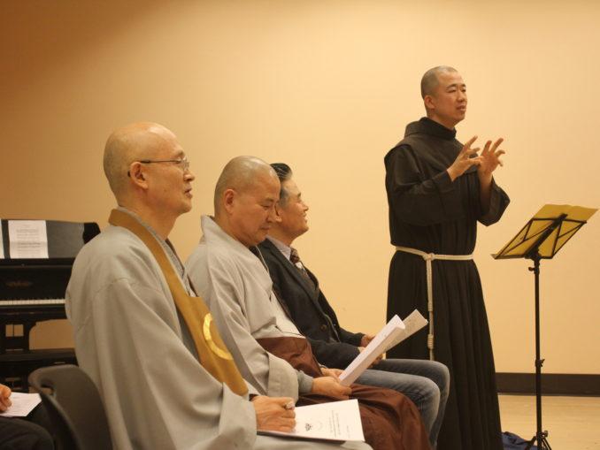2014 Interfaith Xmas Service (38)
