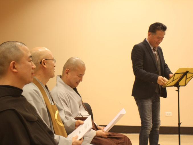 2014 Interfaith Xmas Service (42)