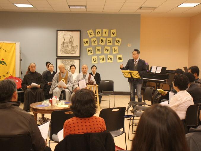 2014 Interfaith Xmas Service (44)