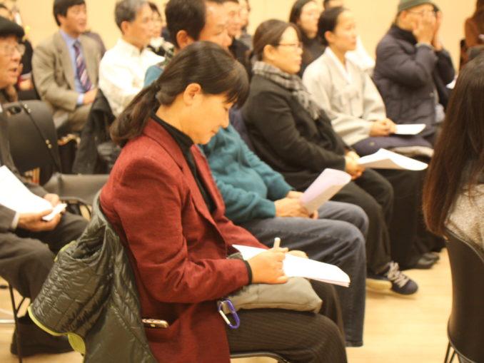 2016 Interfaith Xmas Service (27)